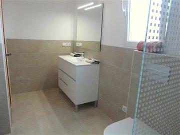 LS175-Badezimmer-bathroom