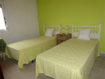 LS175-bedroom-Schlafzimmer-2