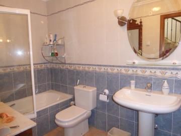 Ben175A-guest-bathroom-Gastebad-bano-b
