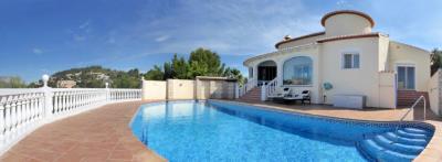 LS930-villa-pool