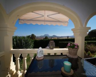 Ben-199-covered-terrace-views-gedeckte-Terrasse