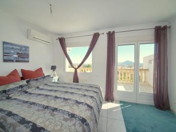 Ben-199-master-bedroom-Hauptschlafzimmer