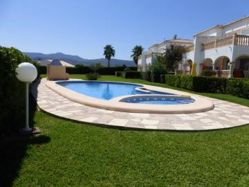 garden-and-pool