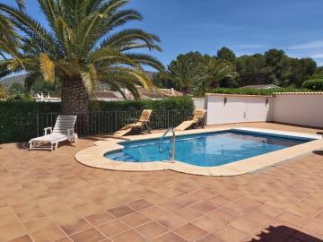 LS-439-pool-piscina-Schwimmbad