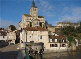 Image No.0-Propriété de 5 chambres à vendre à Montmorillon
