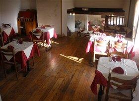 Image No.2-Propriété de 5 chambres à vendre à Montmorillon