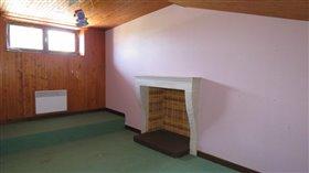 Image No.5-Propriété de 3 chambres à vendre à Lussac-les-Châteaux