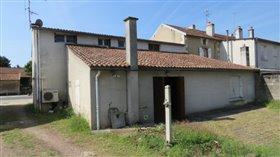 Image No.8-Propriété de 3 chambres à vendre à Lussac-les-Châteaux