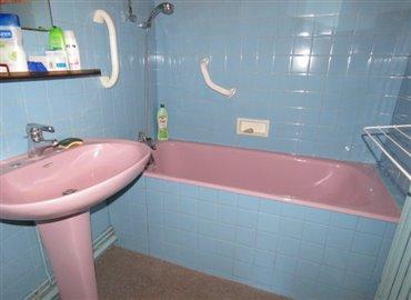 bathroom-reference-60807-640x467