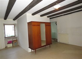 Image No.4-Maison de campagne de 1 chambre à vendre à Saint-Léomer