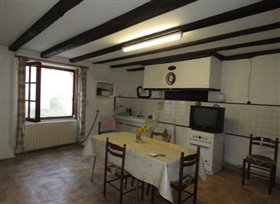 Image No.6-Maison de campagne de 1 chambre à vendre à Saint-Léomer