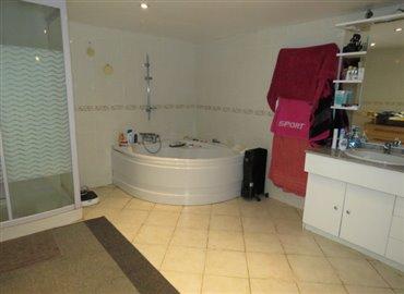 bathroom-reference-70909-640x467