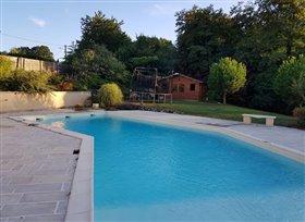 Image No.3-Maison de 4 chambres à vendre à Lussac-les-Châteaux
