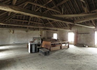 attic-reference-81106-640x467