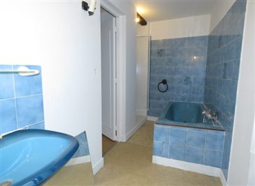 bathroom-b-reference-90602-640x467