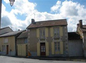 Image No.1-Chalet de 2 chambres à vendre à Adriers
