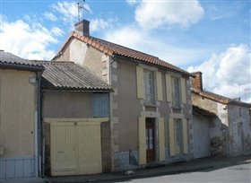 Image No.2-Chalet de 2 chambres à vendre à Adriers