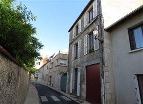 Montmorillon, Townhouse
