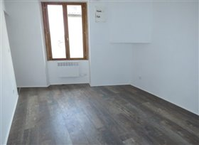 Image No.2-Appartement de 2 chambres à vendre à Montmorillon