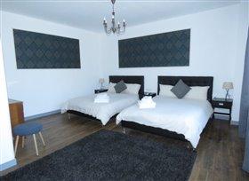 Image No.2-Propriété de 5 chambres à vendre à Saint-Savin