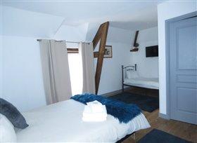Image No.3-Propriété de 5 chambres à vendre à Saint-Savin