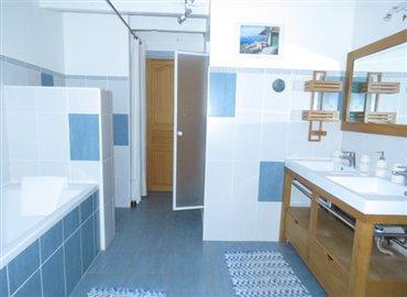 bathroom-1-b-reference-90901-640x467
