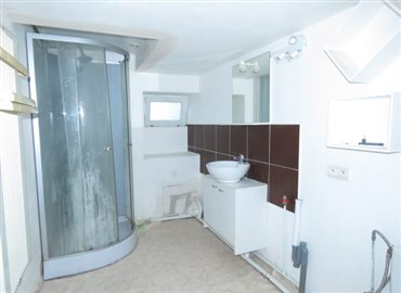 shower-a-reference-90902-640x467