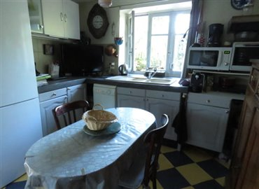 kitchen-a-reference-90903-640x467