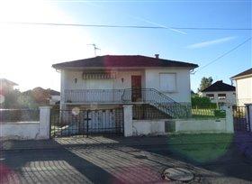 Image No.0-Bungalow de 3 chambres à vendre à Montmorillon