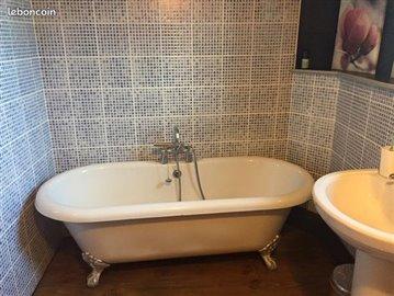 bathroom-reference-90905