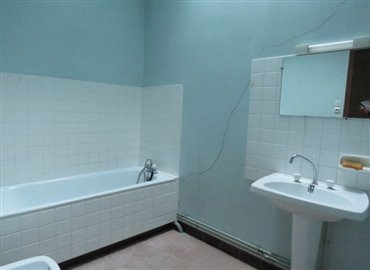 bathroom-reference-91104-640x467