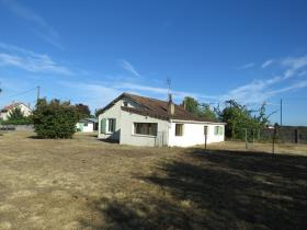 Image No.0-4 Bed Bungalow for sale