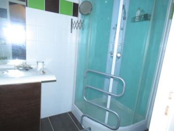 studio-1-shower-Reference-91202