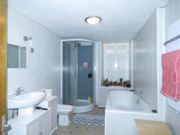 Bathroom-b-Reference-20103
