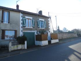 Image No.1-Maison de ville de 2 chambres à vendre à Montmorillon