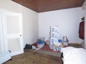 Image No.5-Maison de ville de 2 chambres à vendre à Montmorillon