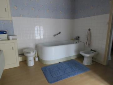 Bathroom1-b-Reference--21001