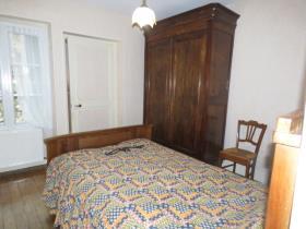 Image No.5-Chalet de 2 chambres à vendre à Montmorillon