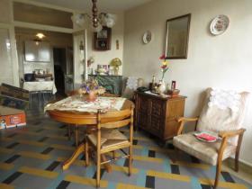 Image No.2-Chalet de 2 chambres à vendre à Montmorillon