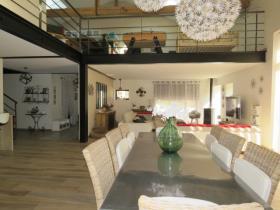 Image No.2-Manoir de 5 chambres à vendre à Lussac-les-Châteaux
