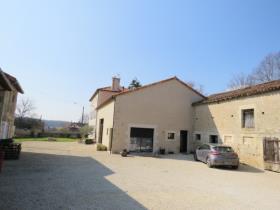 Image No.1-Manoir de 5 chambres à vendre à Lussac-les-Châteaux