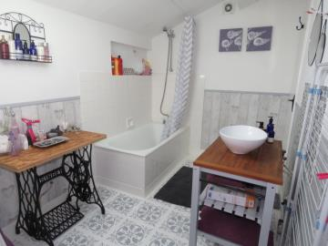 Bathrom--House-1-Reference-21601
