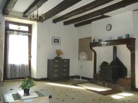 Image No.2-Chalet de 2 chambres à vendre à Persac