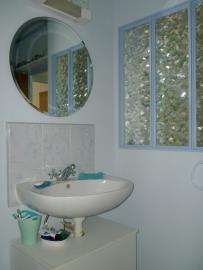 9--Bathroom-1-Reference-20701