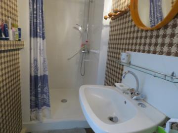Bedroom-2-shower--Reference-21803