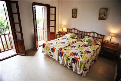 10-DP-38-Bedroom-2