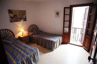 12--DP-38-Bedroom-3