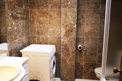 14-DP-38-Bathroom