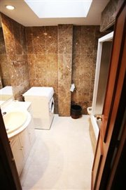 13--DP-38-Bathroom-2