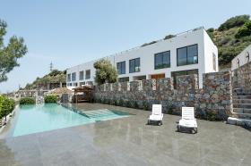 Image No.0-Villa de 4 chambres à vendre à Lefkosia